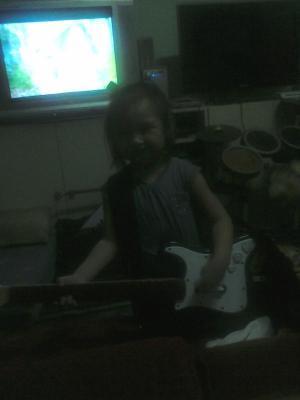 May rock star sa bahay! #fb