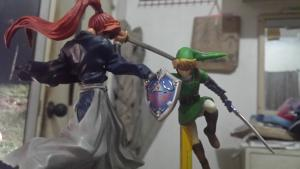 Link amiibo (c/o Luis Formilleza) vs Kenshin