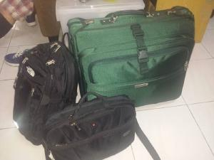 All my bags are packed I'm ready to go~